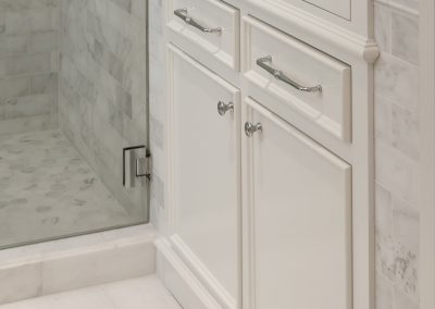 Cabinets by Rockwood Cabinetry - Design by Heidi Semler Interior Design - Construction by Ostmo